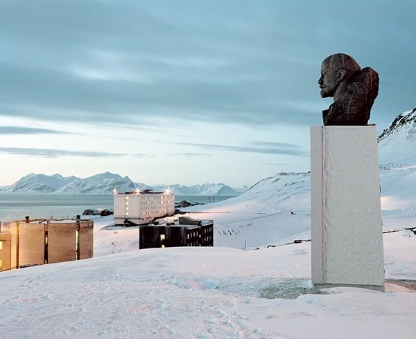 Julia de Cooker Svalbard – An Arcticficial Life