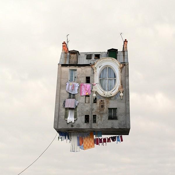 Laurent Chéhère COLLECTOR'S EDITION: Flying Houses Motiv »Les Bas-fonds« (2012)