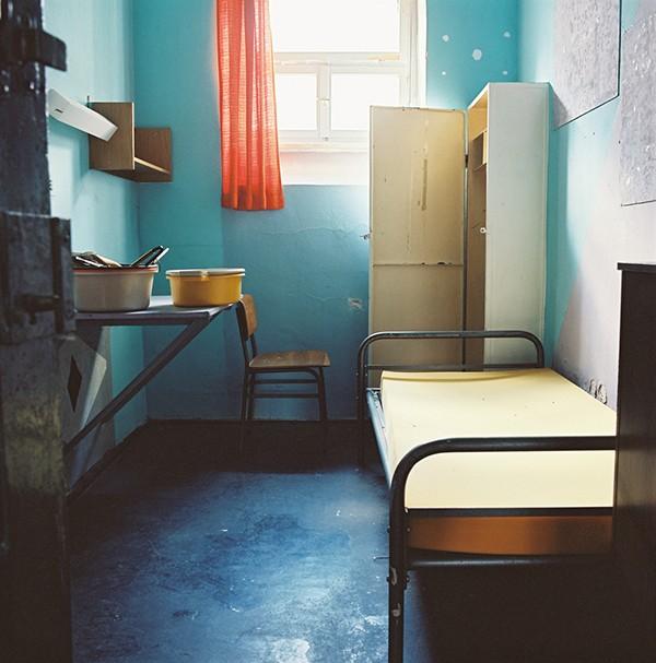 Meike Fischer 8qm – Tisch – Bett – Stuhl