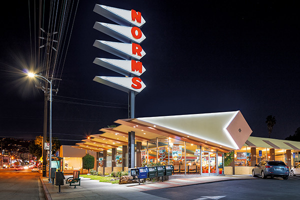 Ashok Sinha GAS AND GLAMOUR Roadside Architecture in Los Angeles
