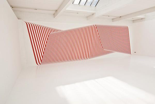 Museum für Konkrete Kunst Ingolstadt Einknicken oder Kante zeigen? Die Kunst der Faltung