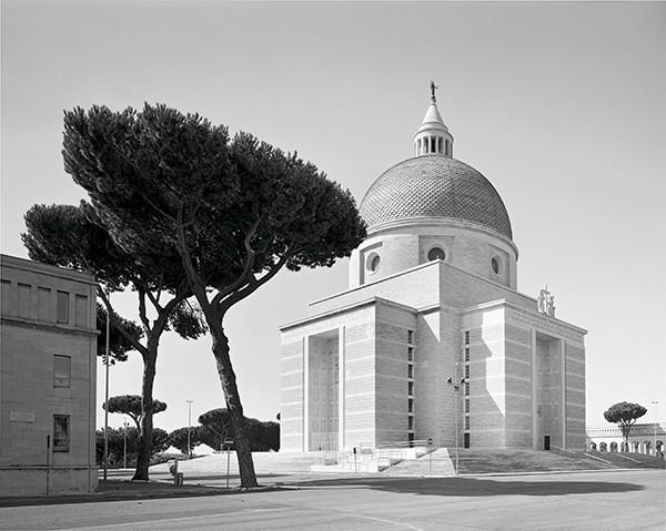 Hans-Christian Schink Fotografien aus Rom Aqua Claudia – EUR
